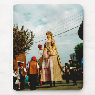 Lady Giant, Parade of the Giants, Flanders Mouse Pad