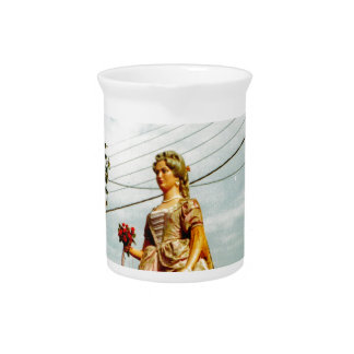 Lady Giant, Parade of the Giants, Flanders Beverage Pitcher