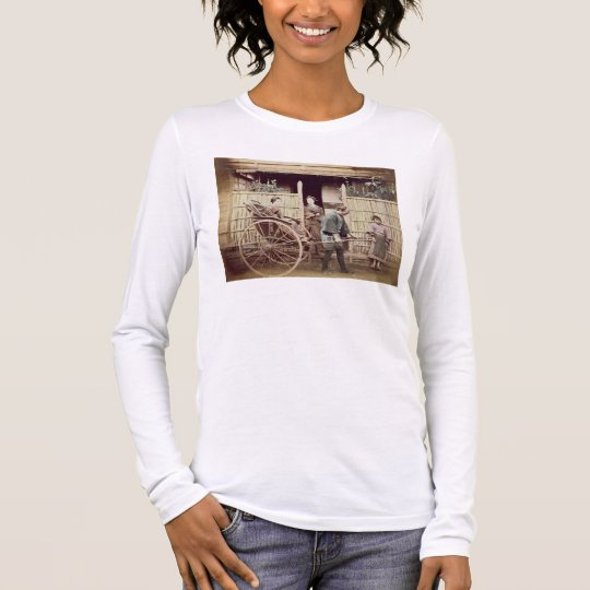 Lady in a rickshaw, c.1890s (coloured photo) long sleeve T-Shirt