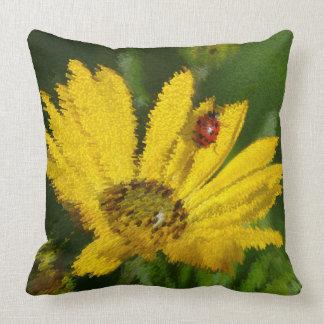 Ladybird on yellow Gazaniablüte, close-up, Pillow