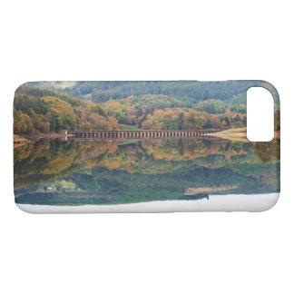 Ladybower Reservoir in Derbyshire souvenir photo iPhone 8/7 Case