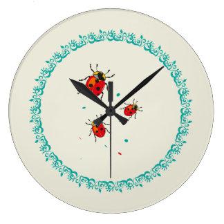LadyBug Serie - Wall Clock