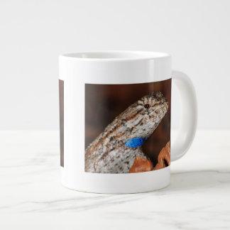 Lagarto de cerca taza grande
