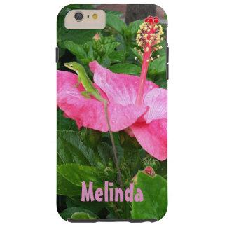 Lagarto verde en la fotografía rosada del hibisco funda de iPhone 6 plus tough