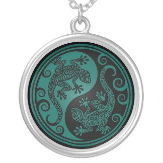 Lagartos azules y negros del trullo de Yin Yang Colgantes Personalizados