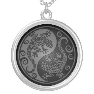 Lagartos grises y negros de Yin Yang Grímpola