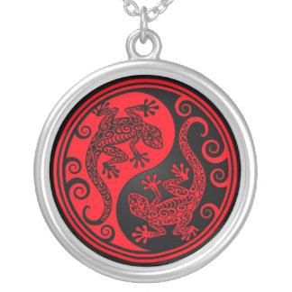 Lagartos rojos y negros de Yin Yang Joyeria
