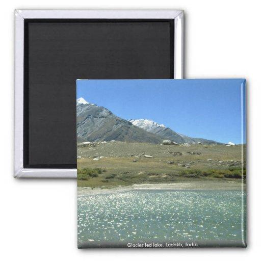 Lago alimentado glaciar, Ladakh, la India Imán