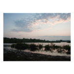 Lago antes del amanecer