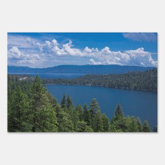 Lago cascade letreros