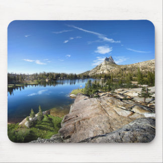 Lago cathedral - rastro de John Muir - Yosemite Tapete De Ratones
