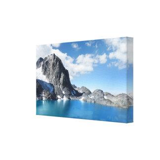 Lago Catherine y pico 2 de la bandera - Sierra Impresión En Lienzo