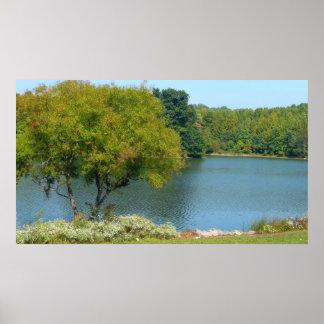 Lago centenario en la ciudad Maryland de Ellicott Póster