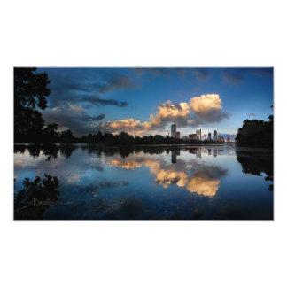 Lago céntrico ladybird de la puesta del sol del fotografías