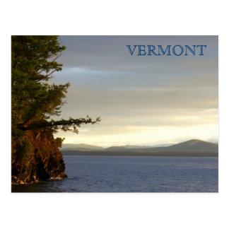 Lago Champlain de las granjas de Shelburn, VT Tarjetas Postales
