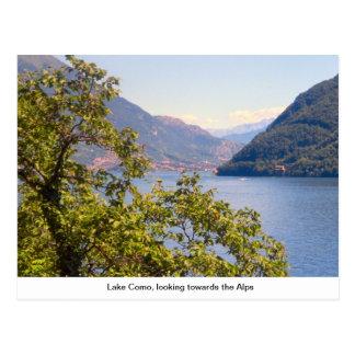 Lago Como, mirando hacia las montañas Tarjeta Postal