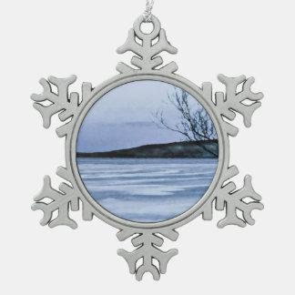 Lago congelado adorno de peltre en forma de copo de nieve