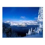Lago crater en el invierno Oregon Tarjeta Postal