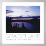 Lago crater en la puesta del sol impresiones