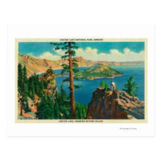 Lago crater que muestra la isla del mago en postal