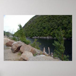 Lago de agua dulce en Adirondacks. impresión 009 Póster