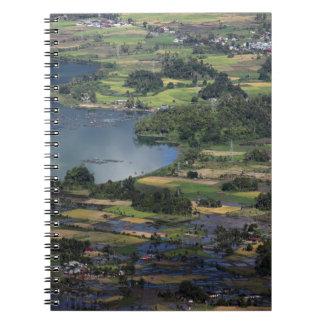 Lago de la caldera de Maninjau del lago en Sumatra Libro De Apuntes