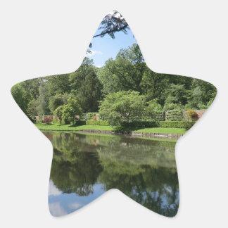 Lago en Erddig Pasillo cerca de Wrexham Pegatina En Forma De Estrella