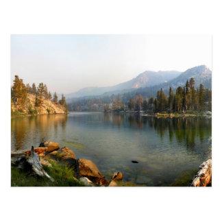 Lago en la oscuridad de oro - lavabo gigantesco Sk Tarjeta Postal