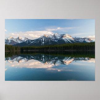 Lago en la puesta del sol, Alberta, Canadá herbert Póster