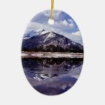 Lago en las montañas rocosas Colorado Ornamentos De Reyes