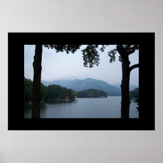 Lago en montañas del NC Poster