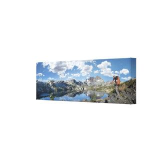 Lago garnet y pico de la bandera - rastro de John Impresión En Lienzo
