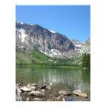 Lago gigantesco membrete