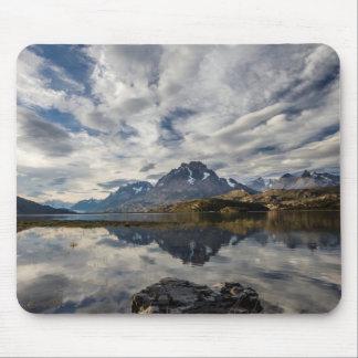 Lago Grey. Cordillera del Paine 2 Mouse Pad