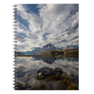 Lago Grey. Cordillera del Paine 2 Notebook