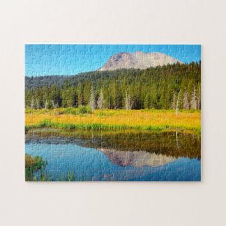 Lago hat en el parque nacional volcánico de Lassen Rompecabezas Con Fotos