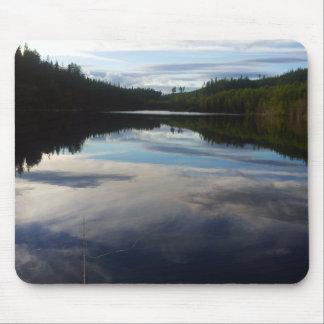 Lago imponente sueco alfombrilla de ratón