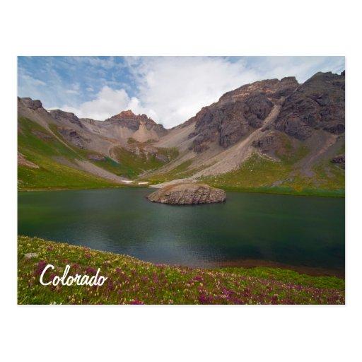 Lago island tarjeta postal