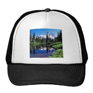 Lago mirror del parque más lluvioso gorras