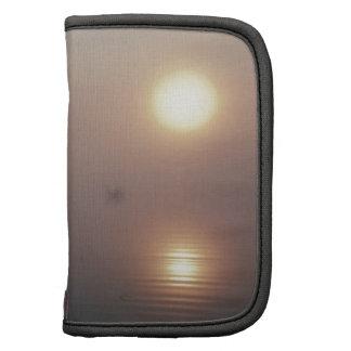 Lago Mistic de la puesta del sol de la naturaleza Organizadores