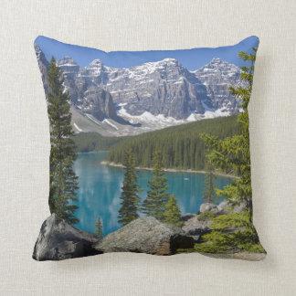 Lago moraine, canadiense Rockies, Alberta, Canadá Cojín