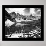 Lago moraine (negro y blanco) posters