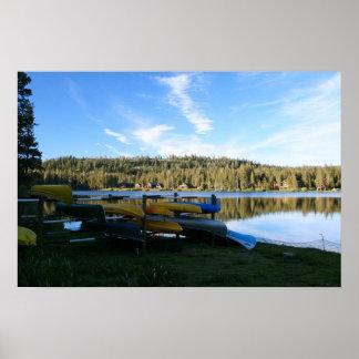 Lago mountain canoas puesta del sol posters