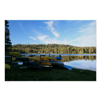 Lago mountain, canoas, puesta del sol póster