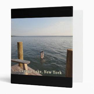 """Lago NY Cayuga del agua del Handstand Carpeta 1"""""""