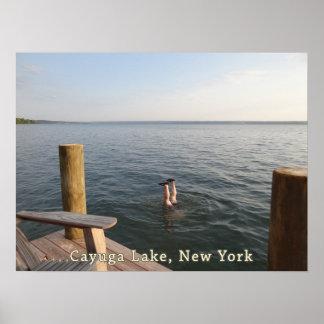 Lago NY Cayuga del agua del Handstand Póster