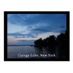 Lago NY Cayuga del cielo azul de la puesta del sol Postal