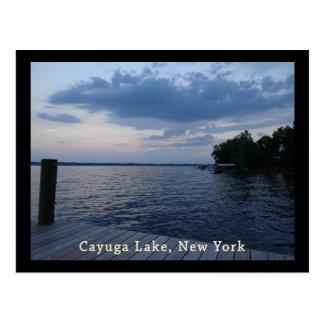 Lago NY Cayuga del cielo azul de la puesta del sol Tarjetas Postales