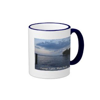 Lago NY Cayuga del cielo azul de la puesta del sol Taza De Café