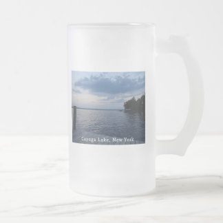 Lago NY Cayuga del cielo azul de la puesta del sol Taza De Cristal